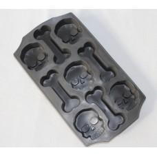 Skull-and-Bones-Ice-Mold